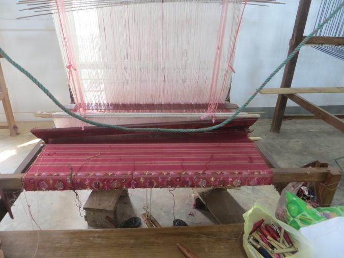 A proper loom